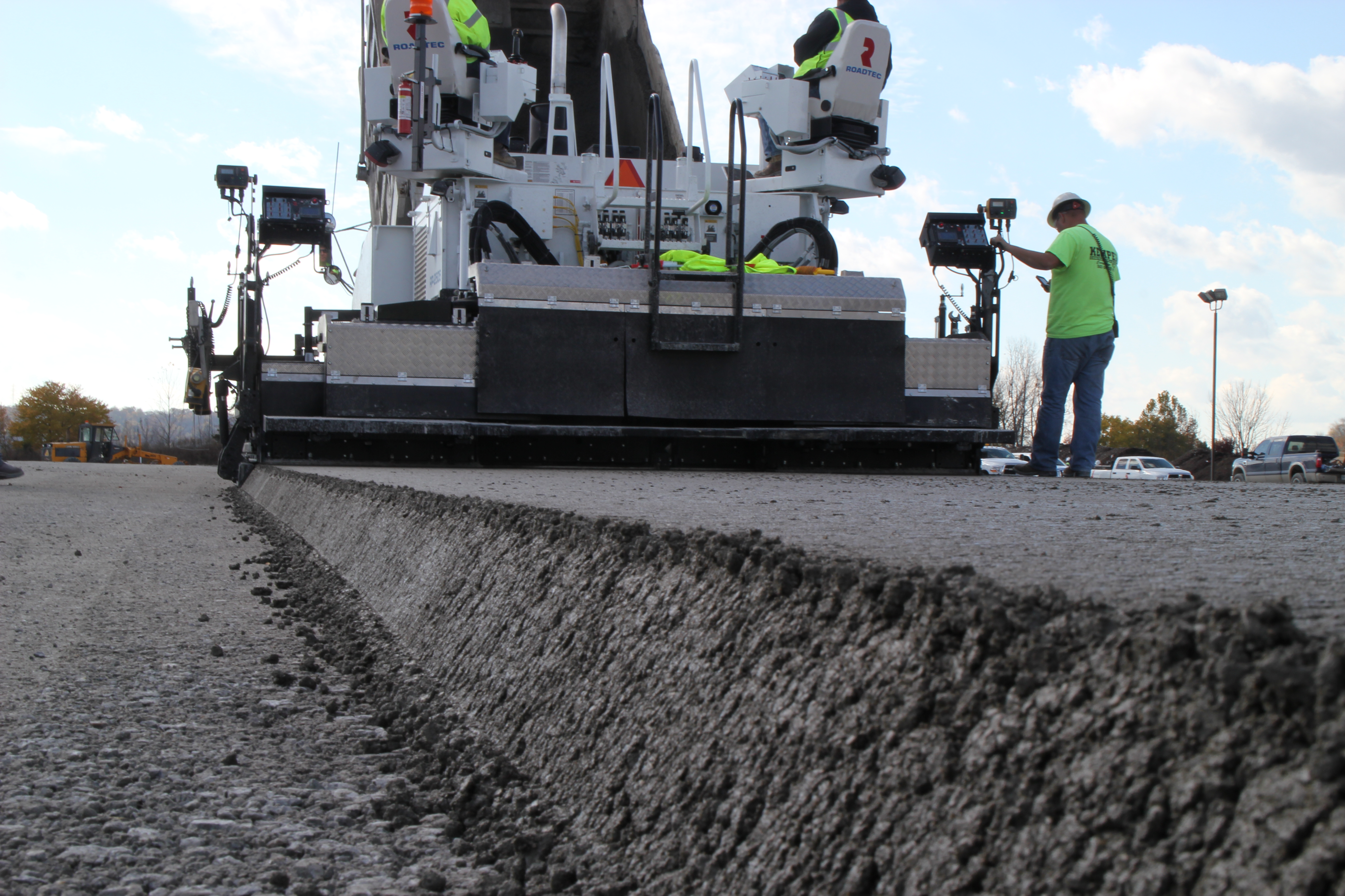 Roller Compacted Concrete Construction : Roller compacted concrete kemper construction